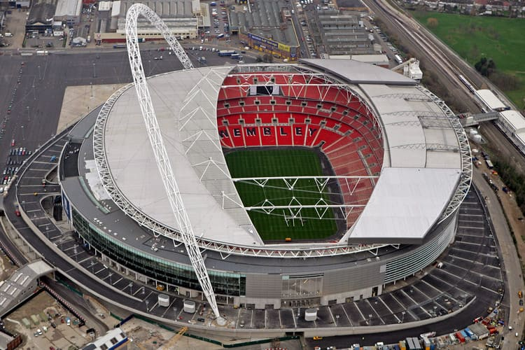 Великобритания намерена предложить УЕФА провести все матчи ЕВРО-2020 у себя